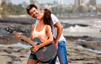 Very-happy-couple-romantic-moods